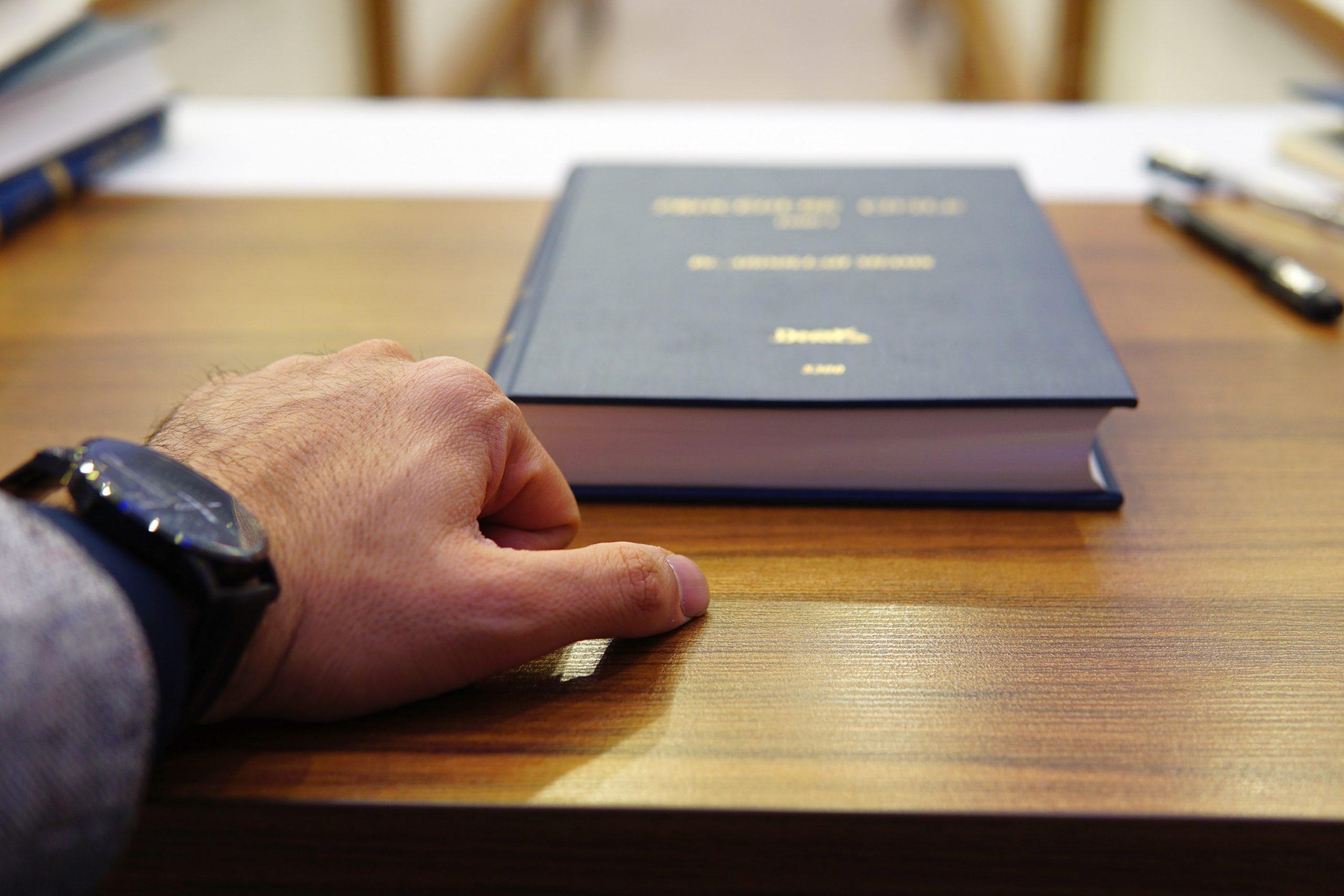 servicios legales bilingües